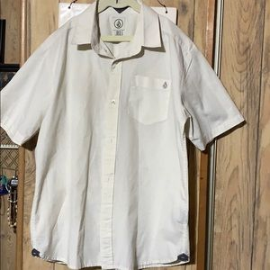 Volcom boys Xl shirt